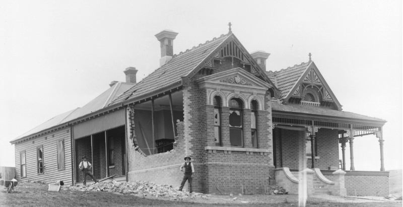Image of House and land history research Bendigo historic researcher local Derek Reid of Central Victoria